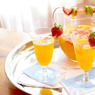 Easy Mango Mimosas Recipe