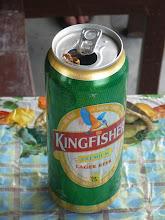Photo: ... a jedním dobře mířeným pivem Kingfisher.