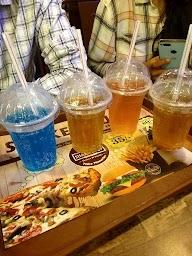 Shake It Up Cafe & Lounge photo 5