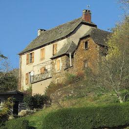 maison à Vieillevie (15)