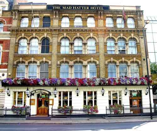 Photo The Mad Hatter Hotel