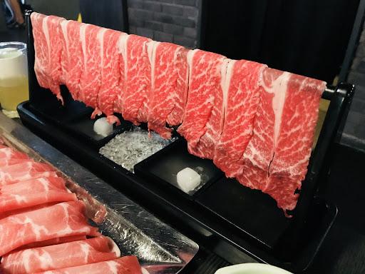 肉品好吃、服務好、湯頭合口味