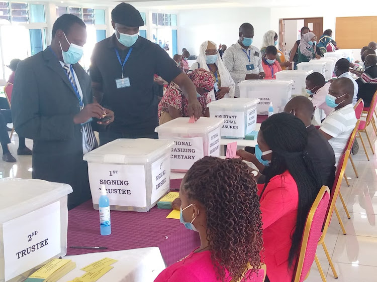 Delegates cast their votes during the Kenya County Government Workers Union elections at Tom Mboya Labour College in Kisumu