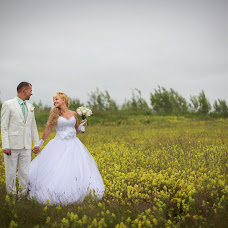 Wedding photographer Vladimir Sinyavskiy (Vladimirovich). Photo of 03.04.2015