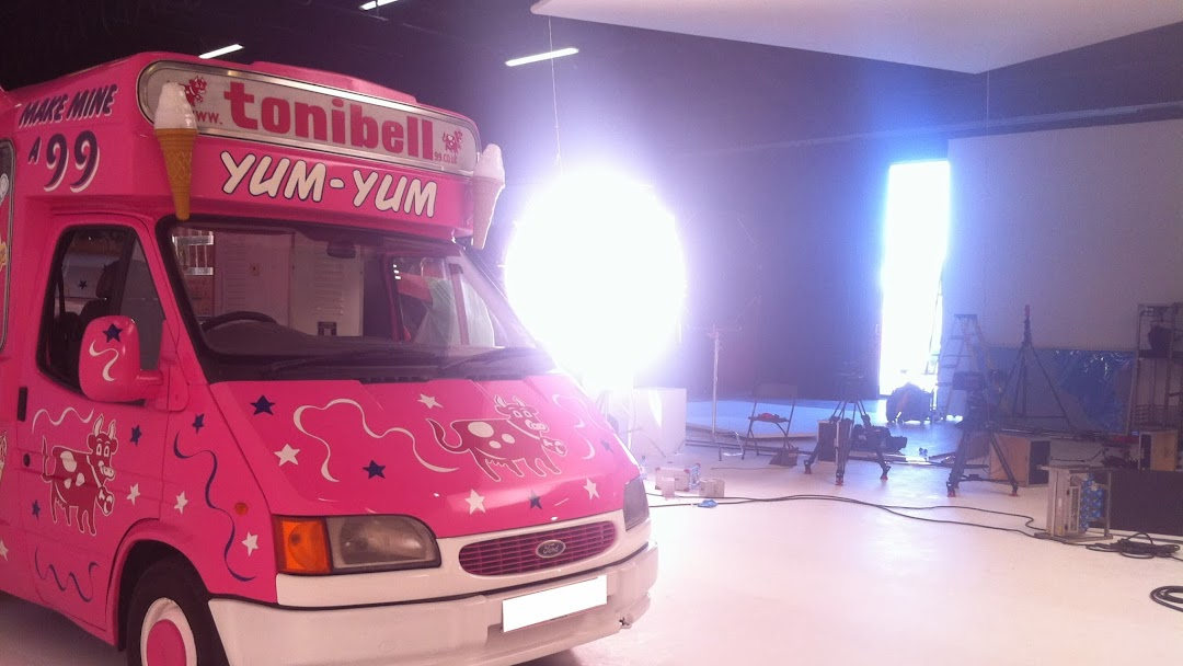 4597843e7a tonibell ice cream vans - Wedding ice cream van Hire