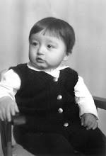 Photo: Ваш покорный слуга на праздновании первого Дня рождения. 22 октября 1974 года :)