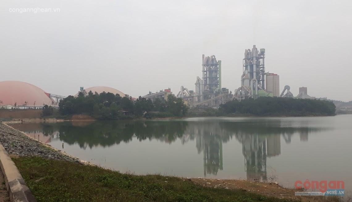 Thời gian qua, Nhà máy Xi măng Sông Lam liên tục bị người dân phản ánh                                gây ô nhiễm môi trường