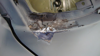 Photo: A crack was hidden behind some primer and the original lead was still here. I needed to be adjusted.