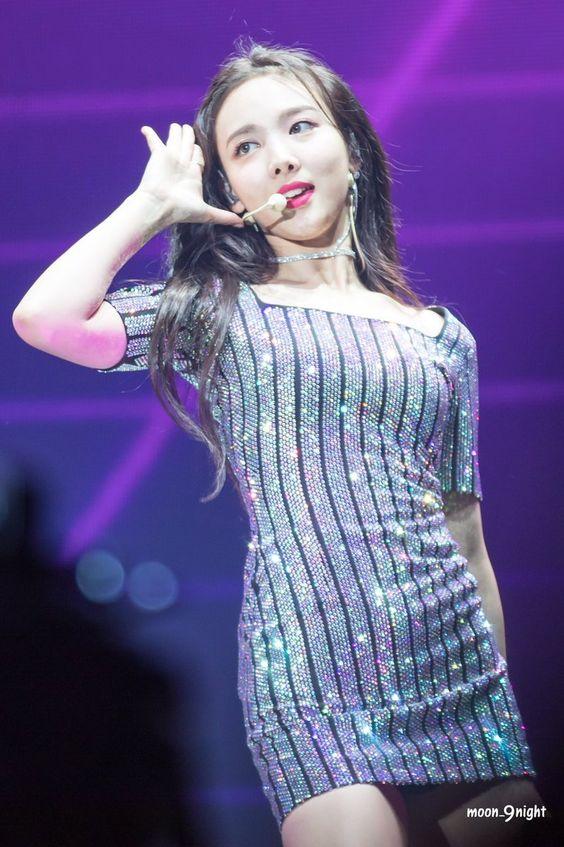 nayeon choker 30