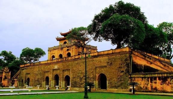 Di tích Hoàng Thành Thăng Long điểm du lịch mang màu sắc văn hóa cao