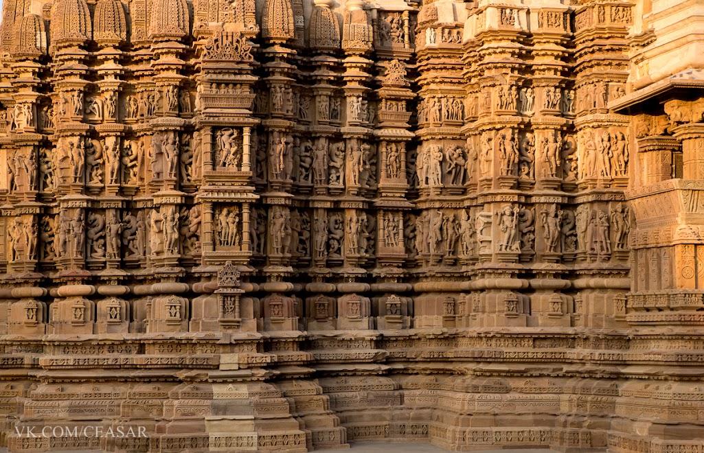 Статуи храмов в Кхаджурахо, Индия