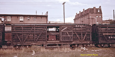 Photo: 074-25.  Double deck stock car #5739.  Open door gives some idea of construction of upper deck.  7/25/60.