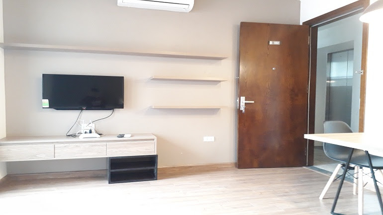 Nice studio apartment in Trung Hoa area, Cau Giay district for rent