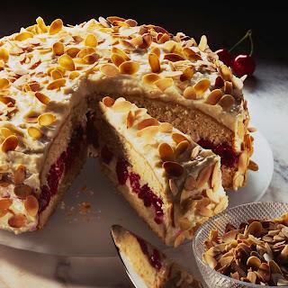 Kirsch-Mandelcreme-Torte