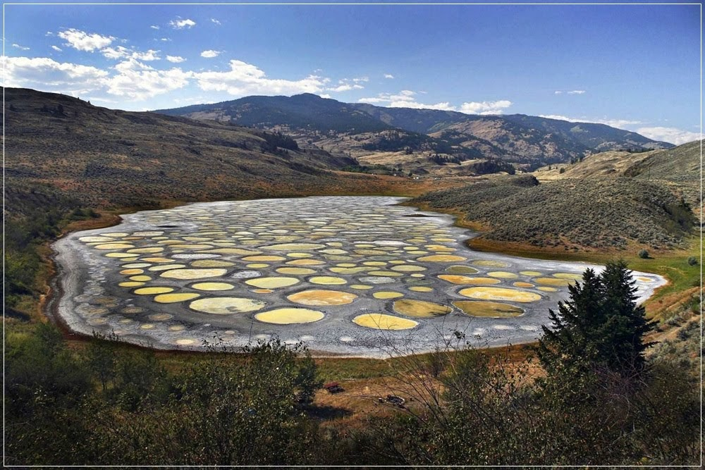 Spotted Lake, o incrível lago manchado do Canadá