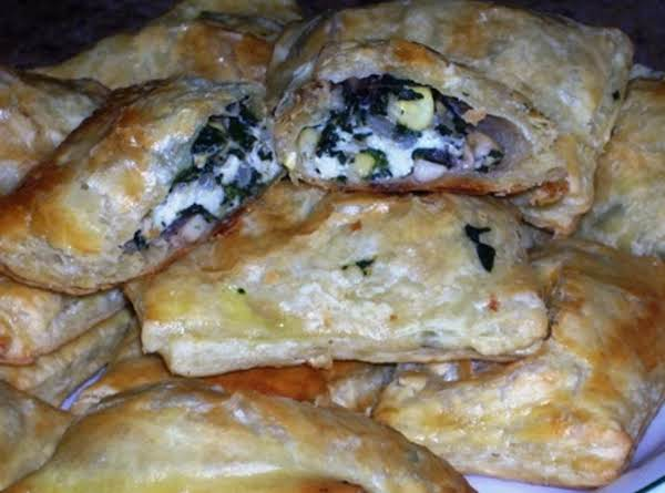 Spinach, Mushroom & Cheese Pastries Recipe