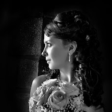 Wedding photographer Vladimir Chestnov (fotka52). Photo of 09.03.2014