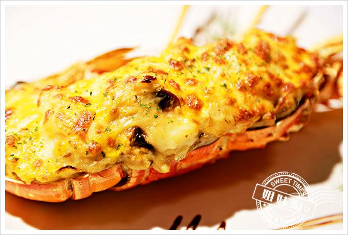 新國際西餐廳起司焗龍蝦2