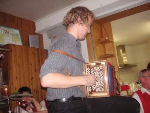 Photo: Simon Dettwiler begleitete grossartig die Kirchenlieder.  Simon das war einfach toll!