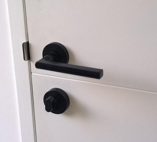 dating hardware door
