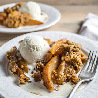 Gluten-Free Slow Cooker Fall Fruit Crumble