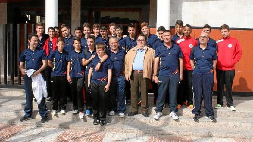 José Juan Rubí con los jugadores.o,46