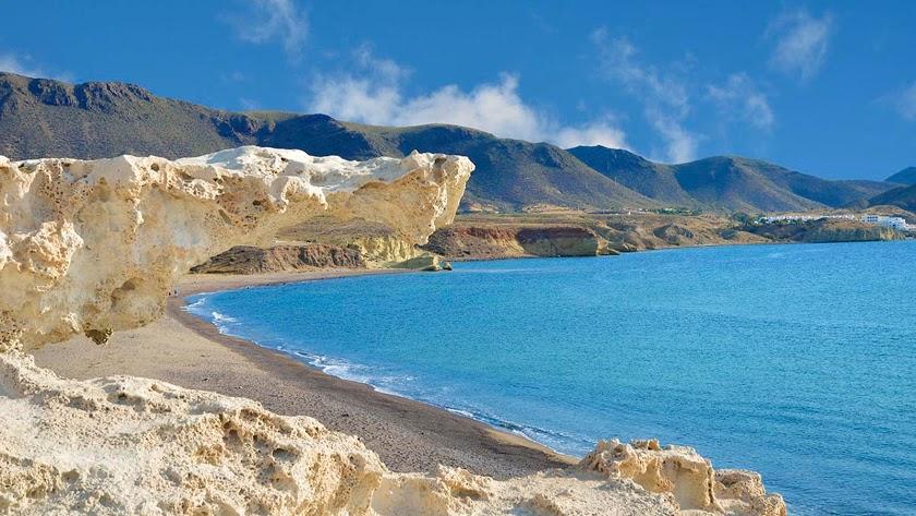 Playa de Los Escullos, en Cabo de Gata.