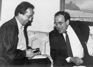 Photo: El economista Ramón Tamames, en el hotel Cristina de la capital grancanaria, momentos antes de iniciar una entrevista con Amado Moreno.