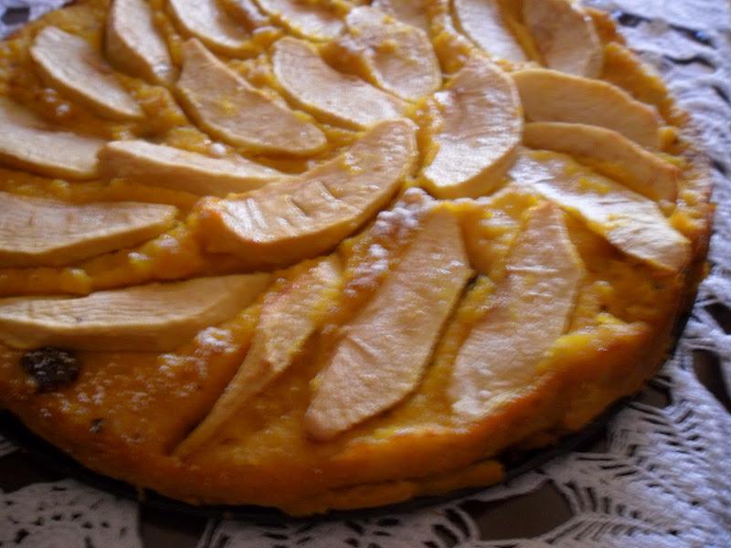Photo: http://www.daniele-pasticcere.it/2011/01/torta-di-zucca-e-mele/#.TrlFT2BI4R8