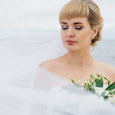 Wedding photographer Ekaterina Sharypova (SharypovaEV). Photo of 09.10.2017