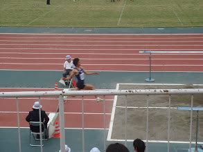 Photo: ぶれちゃいましたがキムさんの幅跳びです。