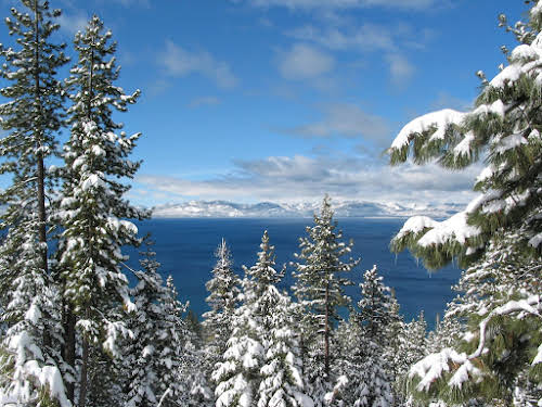 What to Do in Lake Tahoe in the Winter // Sunny Winter in Lake Tahoe