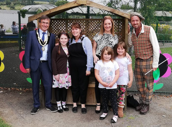 Mayor praises organisers of school fun day