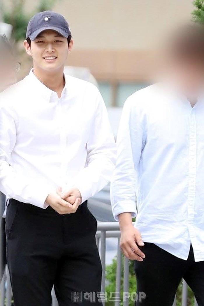 lee seo won all smiles 1
