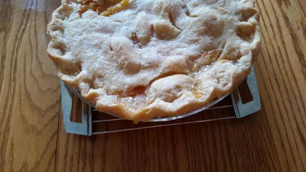 Grandma's Fresh Peach Pie Recipe
