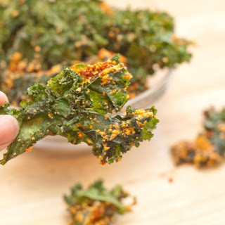 Sun Dried Tomato Cashew Kale Chips.