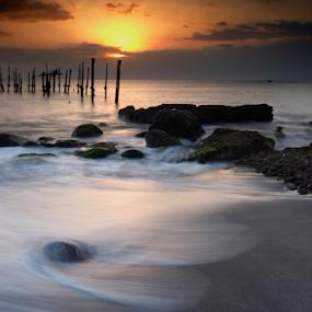 Ampenan Lombok by Marcelino Moningka - Landscapes Beaches ( beaches, waterscape, sunset, lombok, landscape )