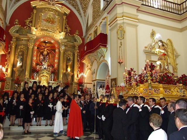 La Santa Cruz del Voto en la iglesia parroquial.