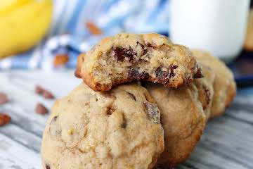 Chewy Banana Chocolate Chip Cookies