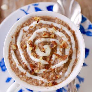 Cinnamon Roll Oatmeal in a Mug (Microwave Mug Breakfasts).