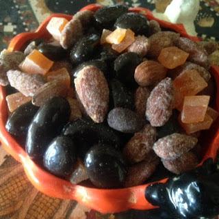 FALL HALLOWEEN Healthy SNACK Trail MIX * Dark chocolate raisins, almonds, papaya * salty sweet.