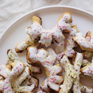 Buccellati (Sicilian Christmas Fig Cookies)