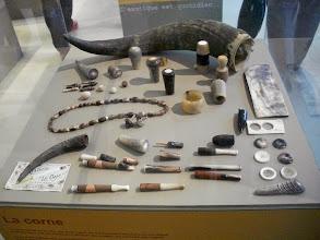 Photo: Exposition des différents métiers. Ici, la corne