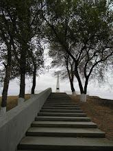 Photo: Неподалеку от легендарного места сражения казаков в 1774 году находится 10-метровый курган с обелиском в честь героев Гражданской войны