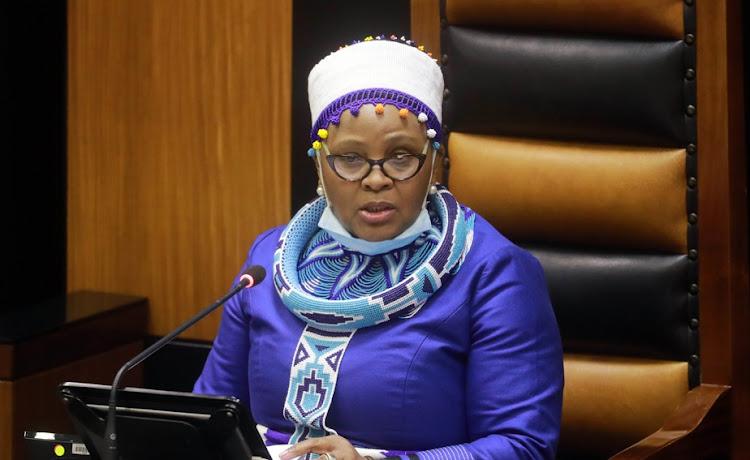 Nosiviwe Mapisa-Nqakula于2021年8月19日当选议长后在议会发言。