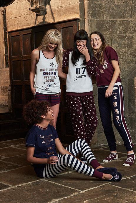 8-sorbos-de-inspiracion-Harry-Potter-en-Primark-carpetas-material-escolar-capa-niño-pijama-mujer