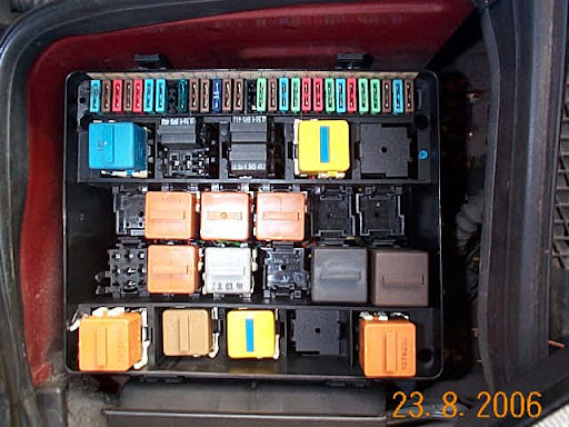 BDW70_FuseBox auxillary water pump relay [archive] bimmernut com forums BMW Cigarette Lighter Fuse Symbol at soozxer.org