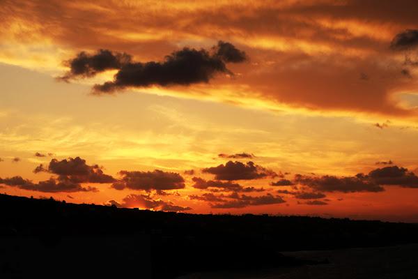 In fuga al tramonto di clic