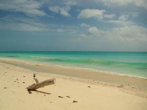 Photo: La plage de Fayaoué à Ouvéa en Nouvelle-Calédonie