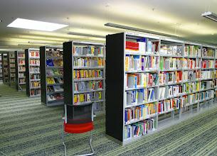 Photo: Sie ist die zweitgrößte Bücherei Wiens und hat als einzige ein automatisches Selbstrückgabesystem.